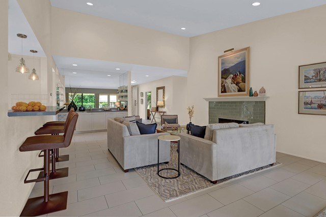 44842 Guadalupe Drive, Indian Wells CA: http://media.crmls.org/mediaz/24B91A63-BFD2-4B20-B7A7-8587D6C5E3CA.jpg