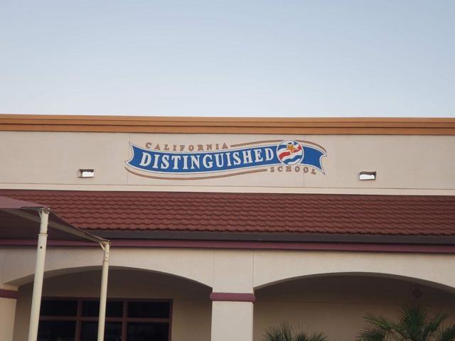 120 Brenna Lane, Palm Desert CA: http://media.crmls.org/mediaz/24C3811C-7938-496E-BB15-64369908F88B.jpg