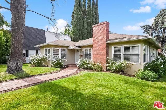 14405 Valley Vista Boulevard  Sherman Oaks CA 91423