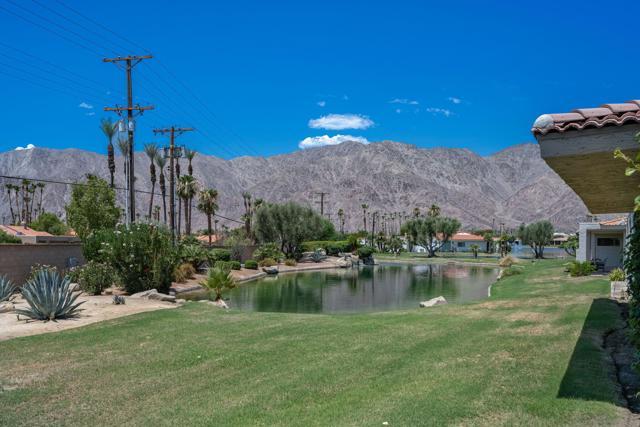78181 Lago Drive, La Quinta CA: http://media.crmls.org/mediaz/26541054-E0A4-455A-9CF7-8554B164AA46.jpg