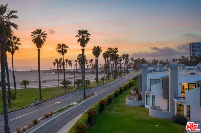 21 Sea Colony Dr, Santa Monica, CA 90405