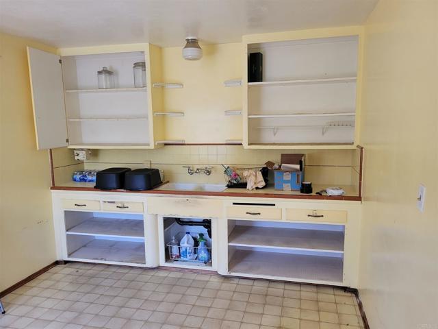 5723 San Miguel, Bonita CA: http://media.crmls.org/mediaz/267469E7-9B20-4CCC-BD72-C368B8778BAA.jpg