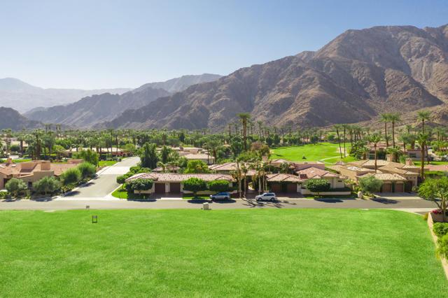 77390 Loma, La Quinta CA: http://media.crmls.org/mediaz/26BC3E24-9A06-4B8A-A681-81EA95B878F1.jpg