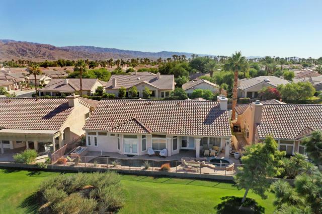 37647 Westridge Avenue, Palm Desert CA: http://media.crmls.org/mediaz/26FC3F69-321A-4326-A4F9-35A411F69C22.jpg