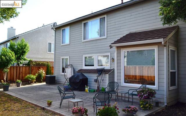 1124 Mulberry PL, Brentwood CA: http://media.crmls.org/mediaz/27822E97-D4B3-4DAC-B6CD-3E00630E70F2.jpg