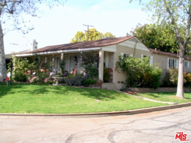 Single Family Home for Sale at 1531 Randall Street Glendale, California 91201 United States
