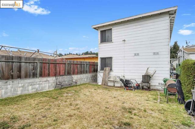 7311 Hillside St, Oakland CA: http://media.crmls.org/mediaz/27C4F011-2CB1-4521-94ED-675029CDF231.jpg