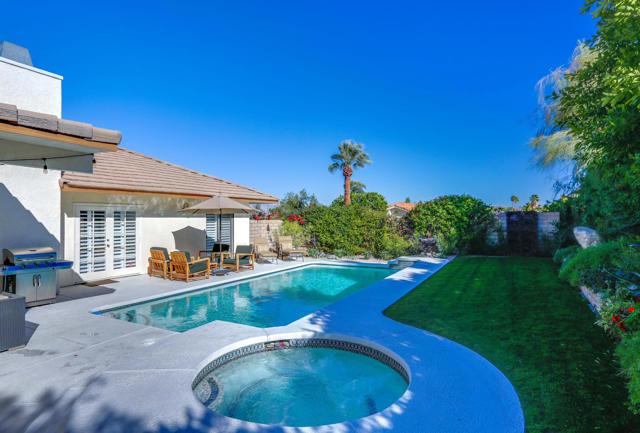 72711 Homestead Road, Palm Desert CA: http://media.crmls.org/mediaz/27D5CAB3-CEE0-423A-A9A1-BD78C1E4F5EC.jpg
