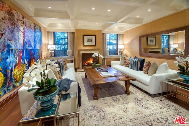 Single Family Home for Sale at 121 Carmelina Avenue S Los Angeles, California 90049 United States