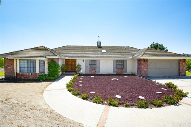 Detail Gallery Image 1 of 1 For 9875 Rocky Ridge, Escondido,  CA 92026 - 3 Beds   2 Baths