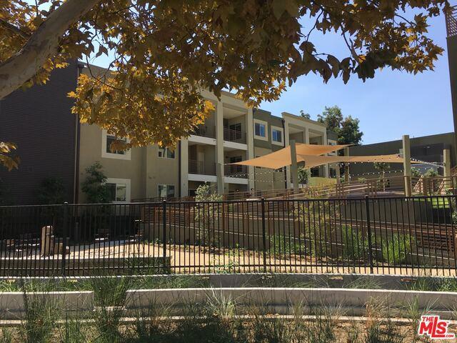 Condominium for Rent at 2978 Ripple Place Los Angeles, California 90039 United States
