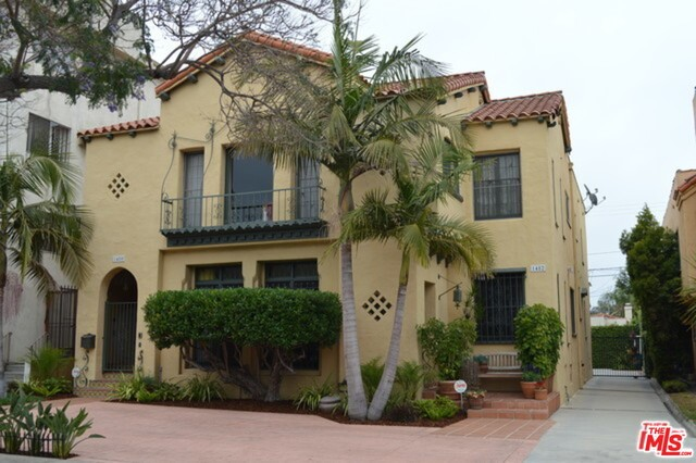 Single Family Home for Rent at 1480 Rexford Drive Los Angeles, California 90035 United States