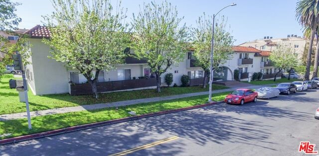 Single Family for Sale at 5100 Maplewood Avenue Los Angeles, California 90004 United States