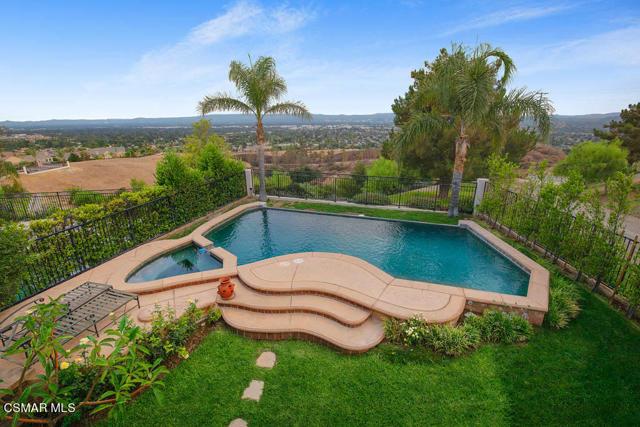 20828 Vercelli Way, Porter Ranch CA: http://media.crmls.org/mediaz/29273F20-6D5C-49A2-A8AD-267085E078F4.jpg