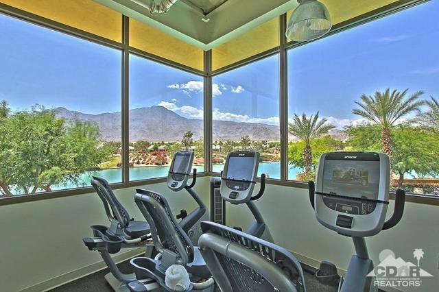 60328 Desert Shadows Drive, La Quinta CA: http://media.crmls.org/mediaz/2953B1A8-6980-4522-A34A-127BFEB347E8.jpg