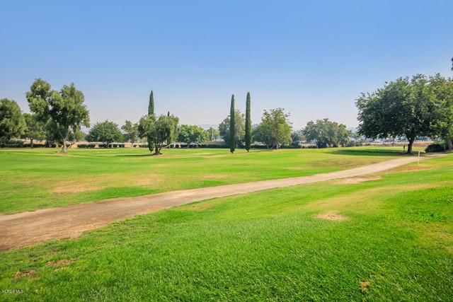 26832 Circle Of The Oaks, Newhall CA: http://media.crmls.org/mediaz/29960490-44F8-4955-A029-CB0E40554978.jpg
