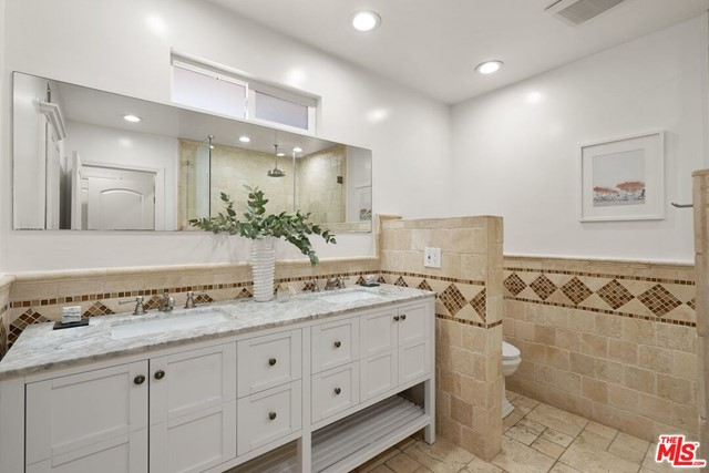 6711 S Sherbourne Dr, Los Angeles, CA 90056 photo 20