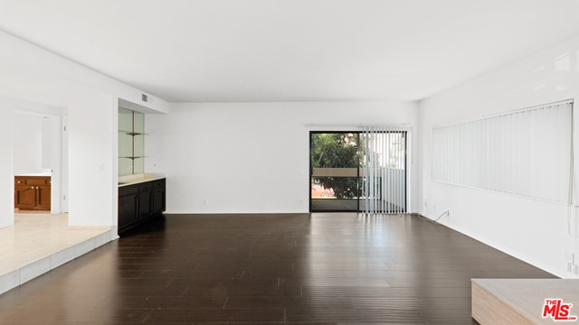 234 S Tower Drive, Beverly Hills CA: http://media.crmls.org/mediaz/29AEE426-A9C6-4A2F-A08B-6DB31B154EA6.jpg