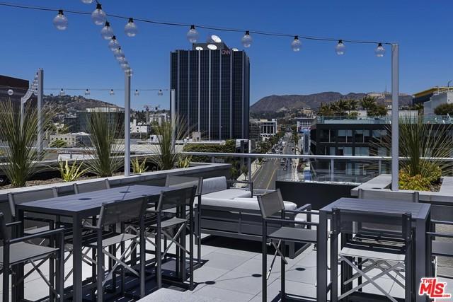 1331 N Cahuenga Boulevard, Los Angeles CA: http://media.crmls.org/mediaz/29E4ED56-B5CB-430D-9041-322628DEC407.jpg