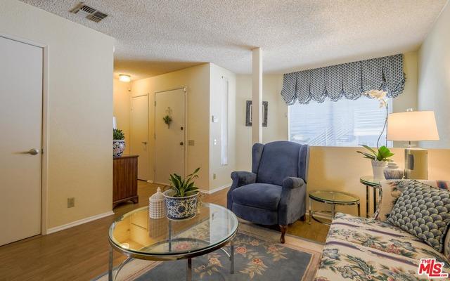 369 N LA FAYETTE PARK Place, Los Angeles CA: http://media.crmls.org/mediaz/29FAB268-60F0-48B9-A3AC-B02FD9D09FB6.jpg