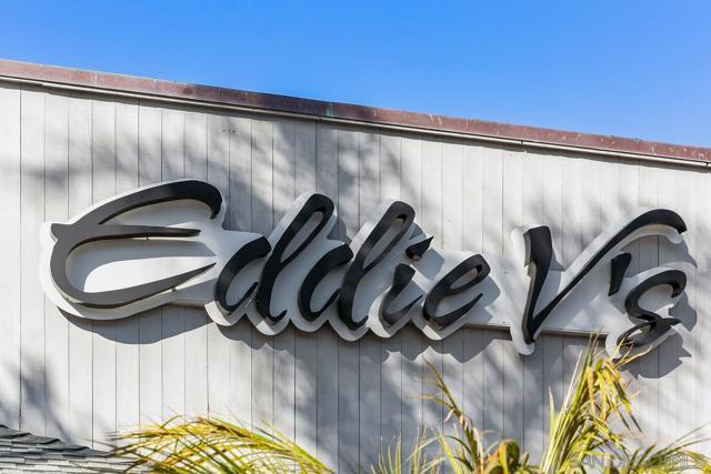 7811 Eads Avenue, La Jolla CA: http://media.crmls.org/mediaz/29FD265B-3ABC-438C-8638-9F0A2B182E9C.jpg
