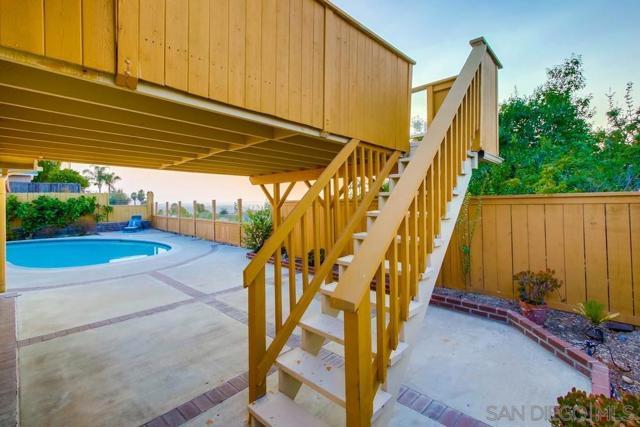 6240 Brynwood Ct, San Diego CA: http://media.crmls.org/mediaz/29d8e890-9da9-4f7e-a368-f43031b0cf5b.jpg