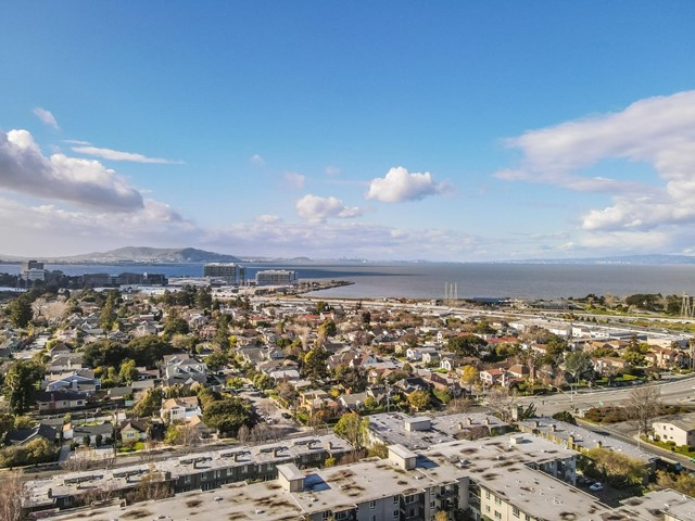 847 Humboldt Street, San Mateo CA: http://media.crmls.org/mediaz/2A0B7378-9363-461F-895C-67BECBF0ACF4.jpg