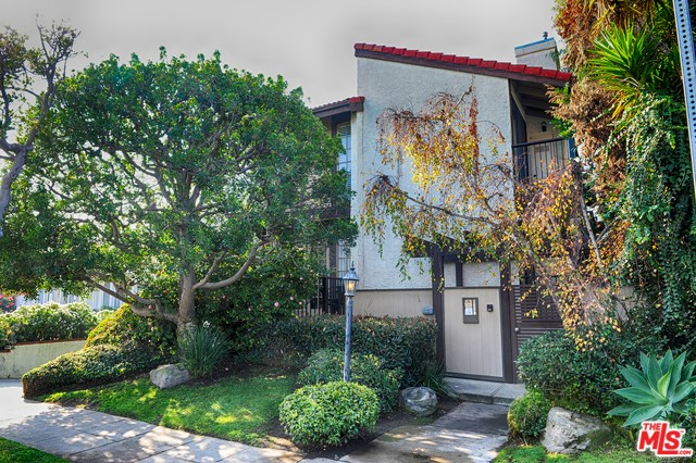 1440 PRINCETON St 6, Santa Monica, CA 90404