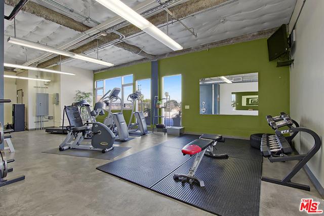 Condominium for Rent at 5355 Cartwright Avenue North Hollywood, California 91601 United States