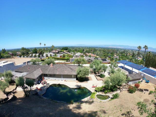 125 Alerche Drive, Los Gatos CA: http://media.crmls.org/mediaz/2A36EBF9-5629-4918-BA61-561E7066B00D.jpg