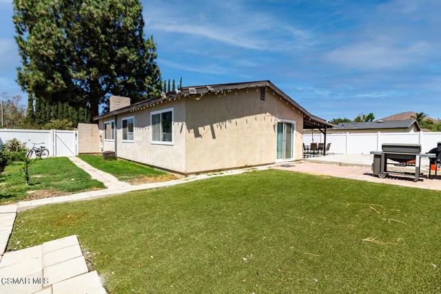 4858 Muirwood Court, Simi Valley CA: http://media.crmls.org/mediaz/2A3F4BD2-AFB5-4952-8262-C6BDD87BB6EC.jpg