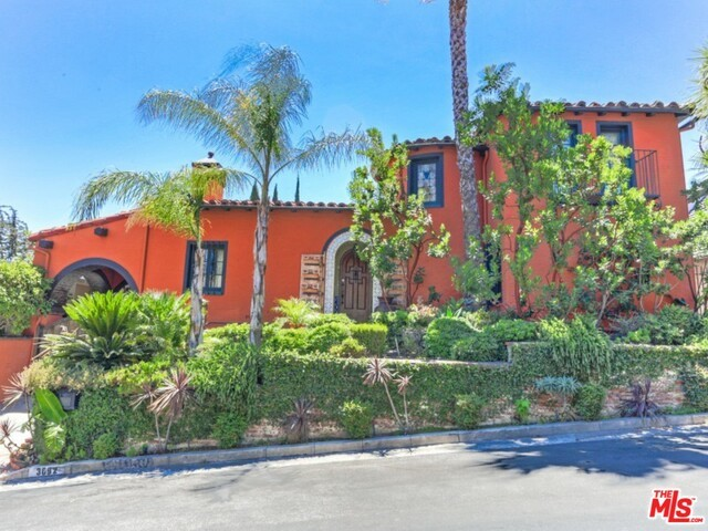 Single Family Home for Sale at 3692 Lowry Road Los Feliz, California 90027 United States