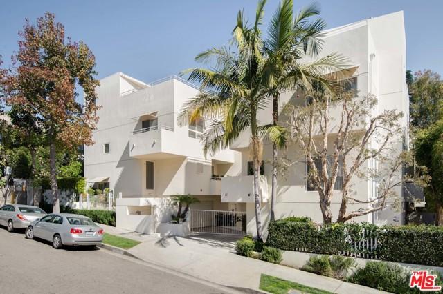 1022 Hilldale Avenue, West Hollywood CA: http://media.crmls.org/mediaz/2A9A8A58-B0B4-46B3-8715-2922441353AF.jpg