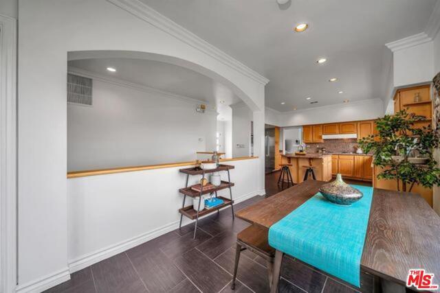 3625 Beverly Ridge Drive, Sherman Oaks CA: http://media.crmls.org/mediaz/2AD4D605-F065-4FCB-ABED-5AA6E1FF5FD6.jpg
