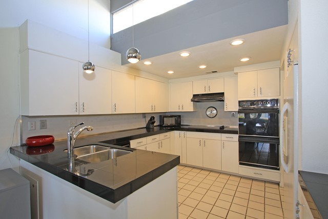 34800 Mission Hills Drive, Rancho Mirage CA: http://media.crmls.org/mediaz/2B1720EE-E3FB-4A19-9D8D-98BD8EE36515.jpg