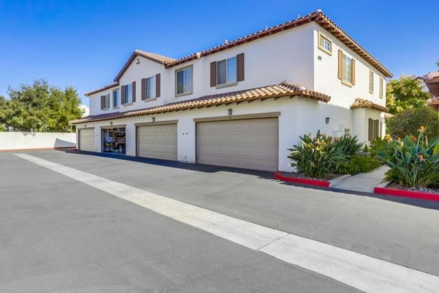5517 Old Ranch Rd, Oceanside CA: http://media.crmls.org/mediaz/2B4C576D-A50B-4B6D-9E4C-1346EDE8812D.jpg