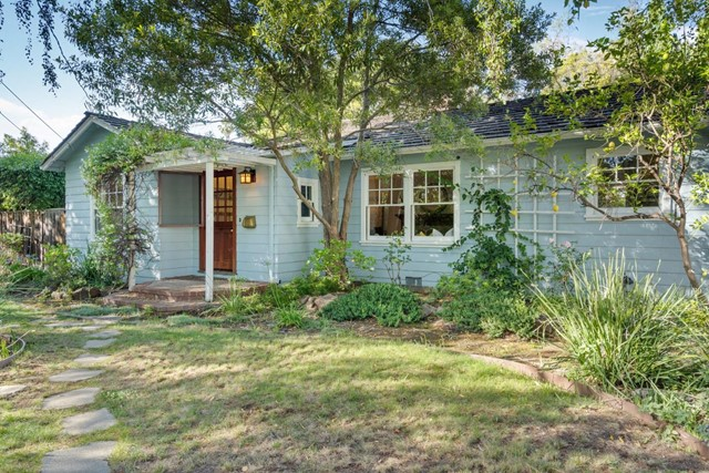 4221 Wilkie Way, Palo Alto CA: http://media.crmls.org/mediaz/2B516984-7104-48D4-94D5-3E943CE88AC7.jpg