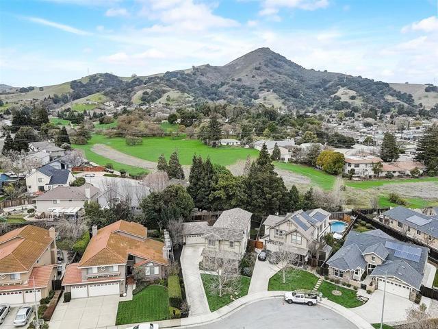 16745 Lone Hill Drive, Morgan Hill CA: http://media.crmls.org/mediaz/2B6B347F-9BC7-4569-913A-52B08DCB4A2E.jpg