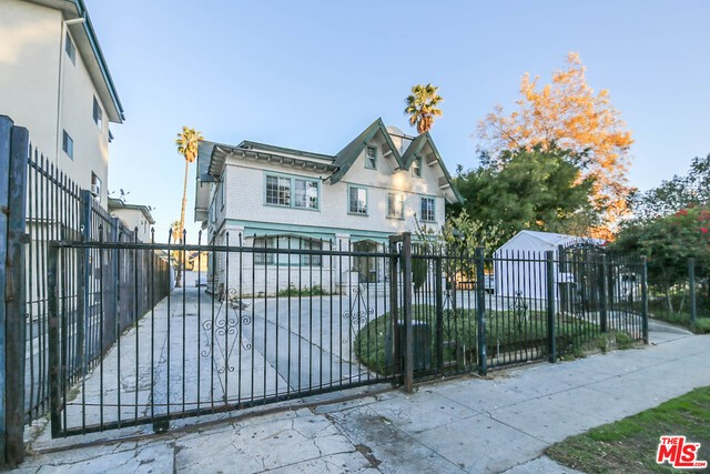 Single Family for Sale at 1414 Wilton Place S Los Angeles, California 90019 United States