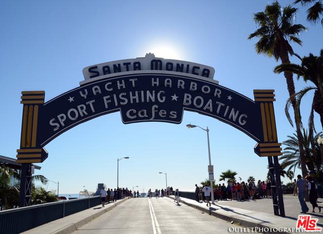 1241 5TH Street, Santa Monica CA: http://media.crmls.org/mediaz/2B92AEFF-4F8C-49AB-9ECE-EB5C6986F4EF.jpg