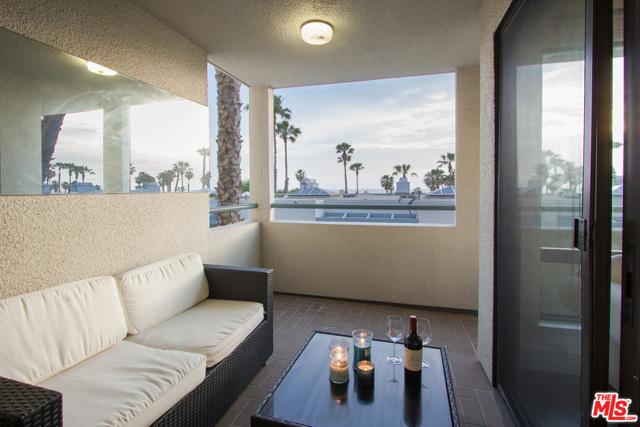 130 Ocean Park Boulevard, Santa Monica CA: http://media.crmls.org/mediaz/2BE94AF6-45B1-401E-A290-F489DA8B9702.jpg
