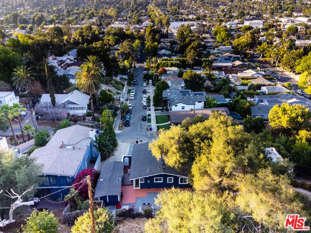 1662 Glen Aylsa Avenue, Los Angeles CA: http://media.crmls.org/mediaz/2C2092BB-2996-4B15-861F-0ACAE99B9520.jpg