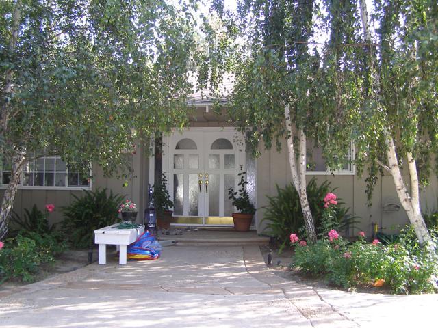 144 La Patera Drive, Camarillo CA: http://media.crmls.org/mediaz/2C9ECF50-EC8A-4A7C-B241-5A95751D7523.jpg