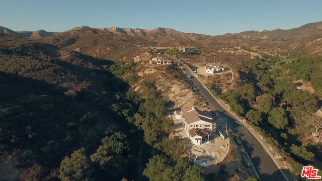 Single Family for Sale at 0 Country Ridge Rd Calabasas, California 91302 United States
