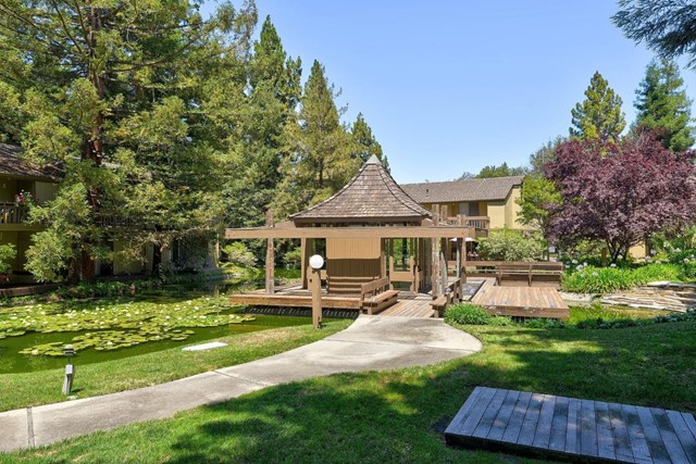 505 Cypress Point Drive, Mountain View CA: http://media.crmls.org/mediaz/2CD7EF22-B2B8-4EFC-BD9D-858272E6FABB.jpg