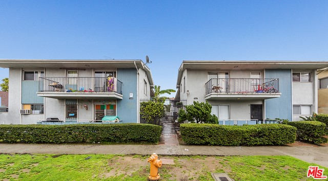 Single Family for Sale at 1862 Pine Avenue Long Beach, California 90806 United States
