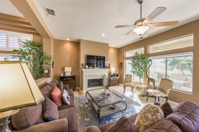 37647 Westridge Avenue, Palm Desert CA: http://media.crmls.org/mediaz/2D421EDC-B4E1-465A-850F-34E6825D0398.jpg