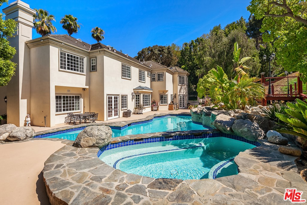 14132 Beresford Road #  Beverly Hills CA 90210
