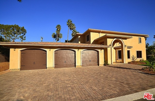 Single Family Home for Sale at 129 Hermosa Drive E Fullerton, California 92835 United States