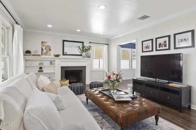 1738 N Roosevelt Avenue, Altadena CA: http://media.crmls.org/mediaz/2DD23FDD-B487-40DD-9098-9AB9AACD0BF8.jpg